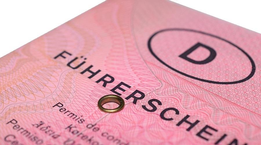 Der alte rosafarbene Führerschein wird schon seit vielen Jahren nicht mehr ausgehändigt - aber er ist nach wie vor gültig