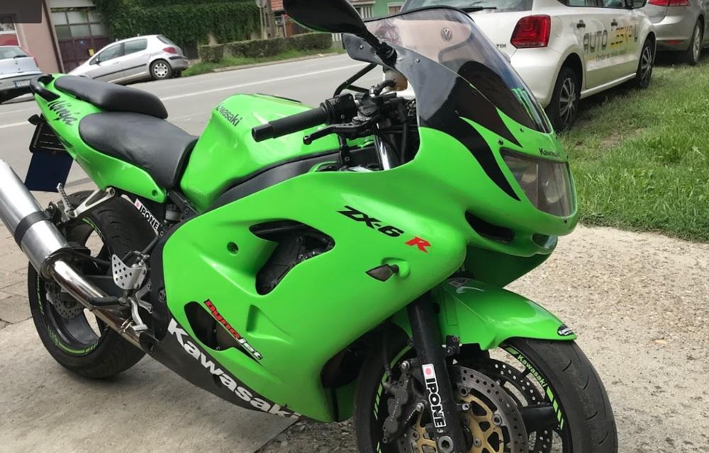Motorrad für die Ausbildung der Führerscheinklasse A in der Fahrschule