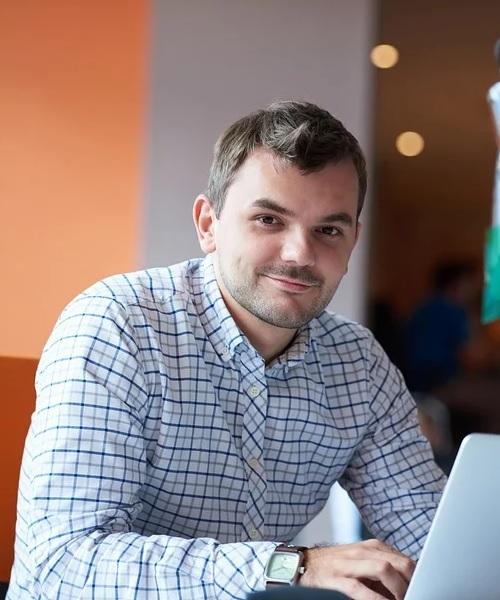 In Mazedonien ist Milan Milo für die Kunden während des Aufenthaltes der Ansprechpartner.