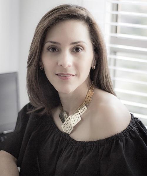 Unsere Kunden werden von Maria Molnar als Dolmetscherin begleitet.