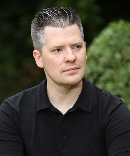 Boris Adrovic ist als Dolmetscher der ständige Begleiter während des Aufenthaltes in Serbien.